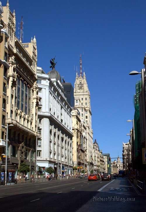 Gran Vía from Callao Plaza to the East.