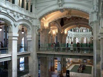 Interior del Palacio de Cibeles, antiguo Correos de Madrid