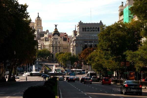 Vista desde La Puerta de Alcalá, hacia La Cibeles y el Centro de Madrid