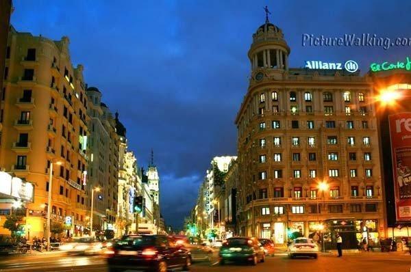 Plaza del Callao por la noche