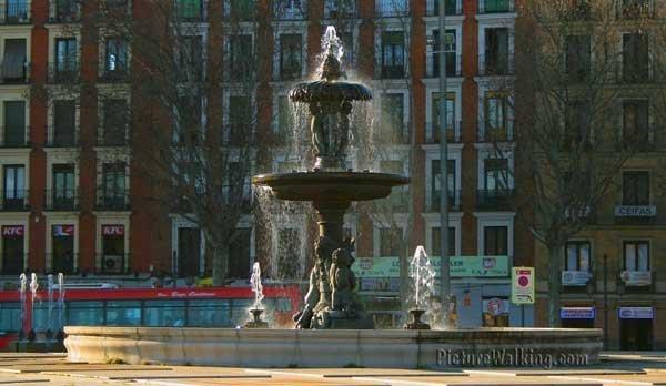 Artichoke fountain, replica in Atocha, of the one at Retiro Park.