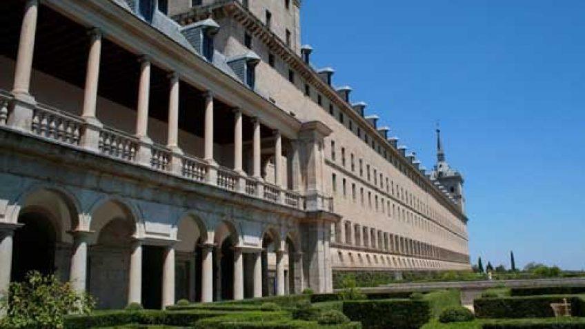 Fachada y Jardín al Oeste de El Escorial