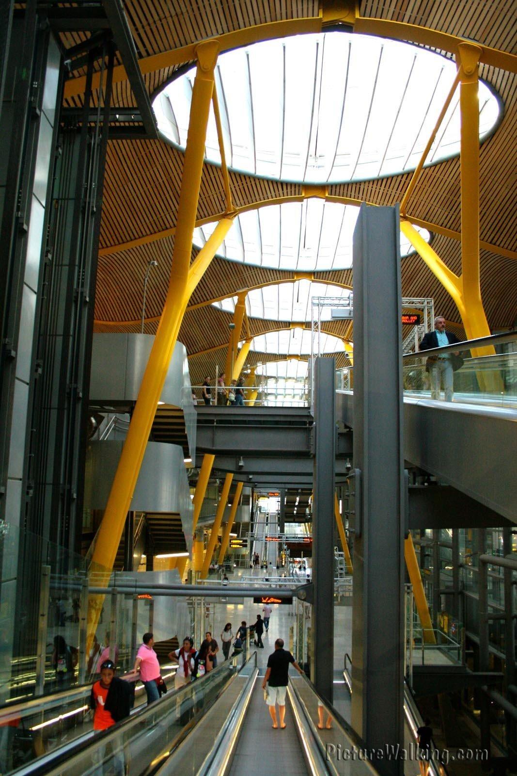 Toma interior de la T4 de Barajas
