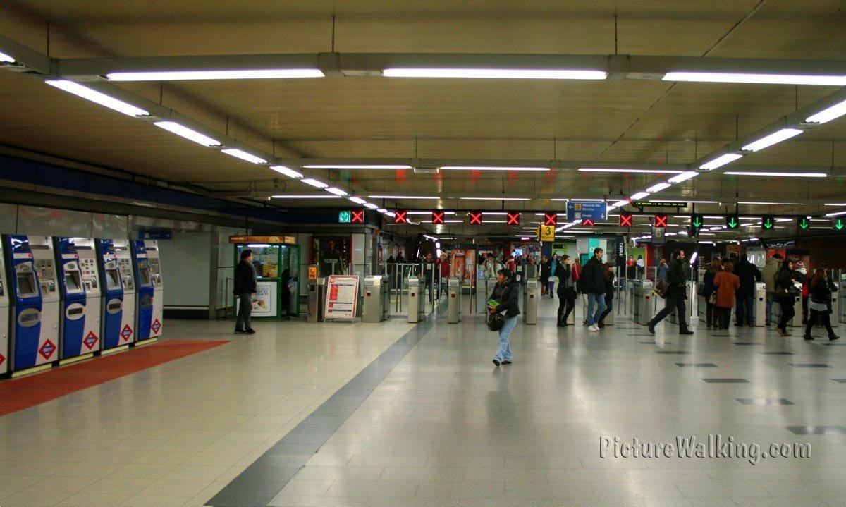 Estación de Metro de Moncloa, Madrid