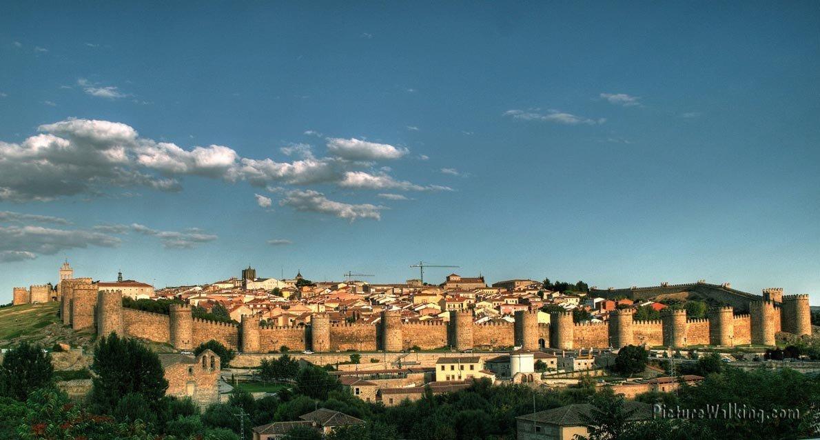 Vista General de la Muralla de Ávila