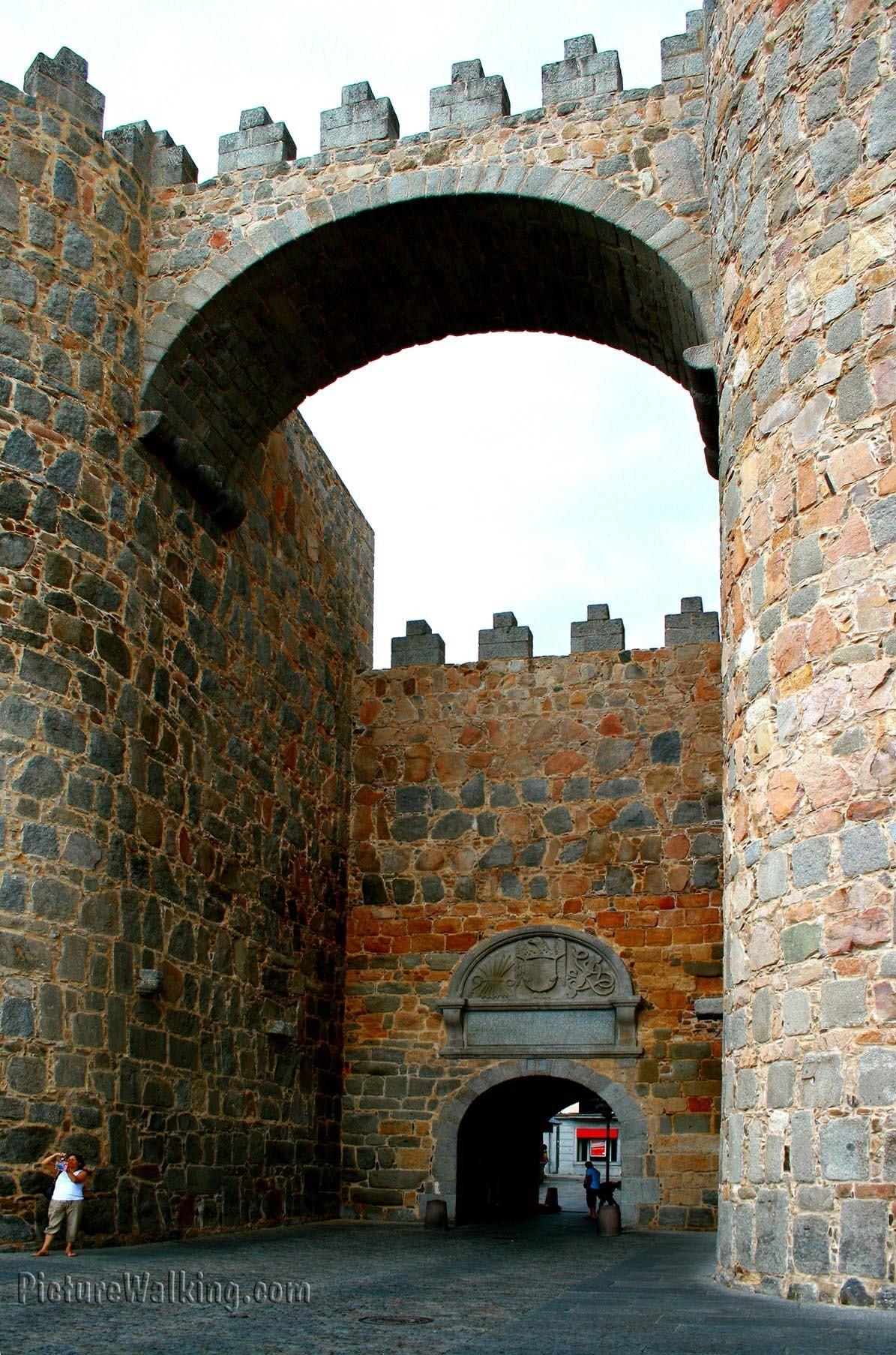 Puerta del Alcázar - Muralla de Avila