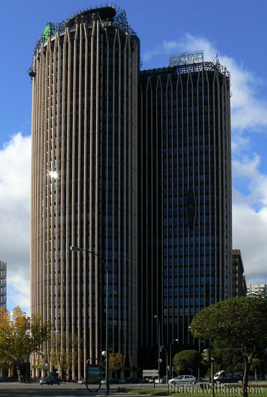 Torre Europa tomada desde el Estadio Bernabeu