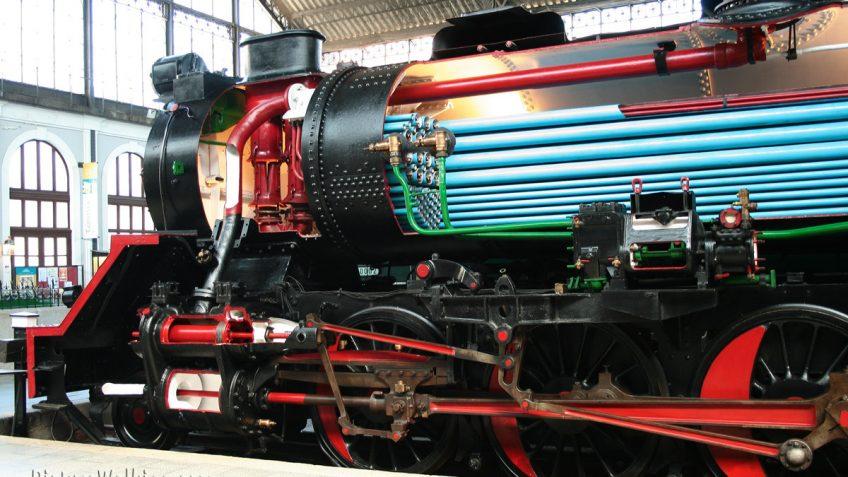 Locomotora vapor Mikado 141-F-2416