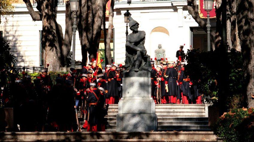 Estatua a El Valor en el Palacio Buenavista