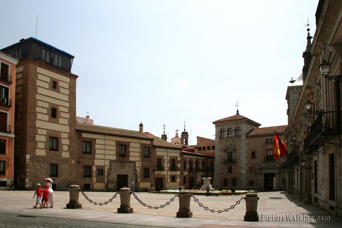 Casa y Torre de los Lujanes y Casa de Cisneros