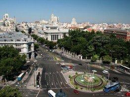 Vista de Madrid desde Plaza Cibeles al Oeste