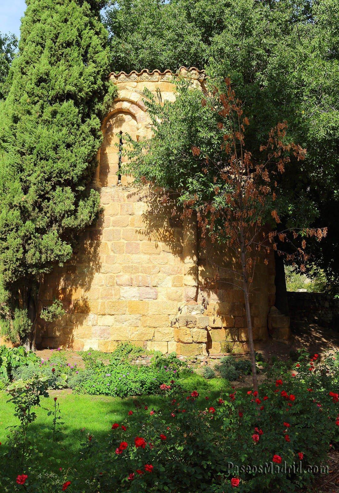 Exterior del Ábside de la Ermita de San Pelayo, San Isidoro.