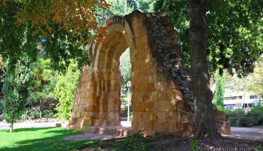 Puerta Románica Iglesia San Isidoro