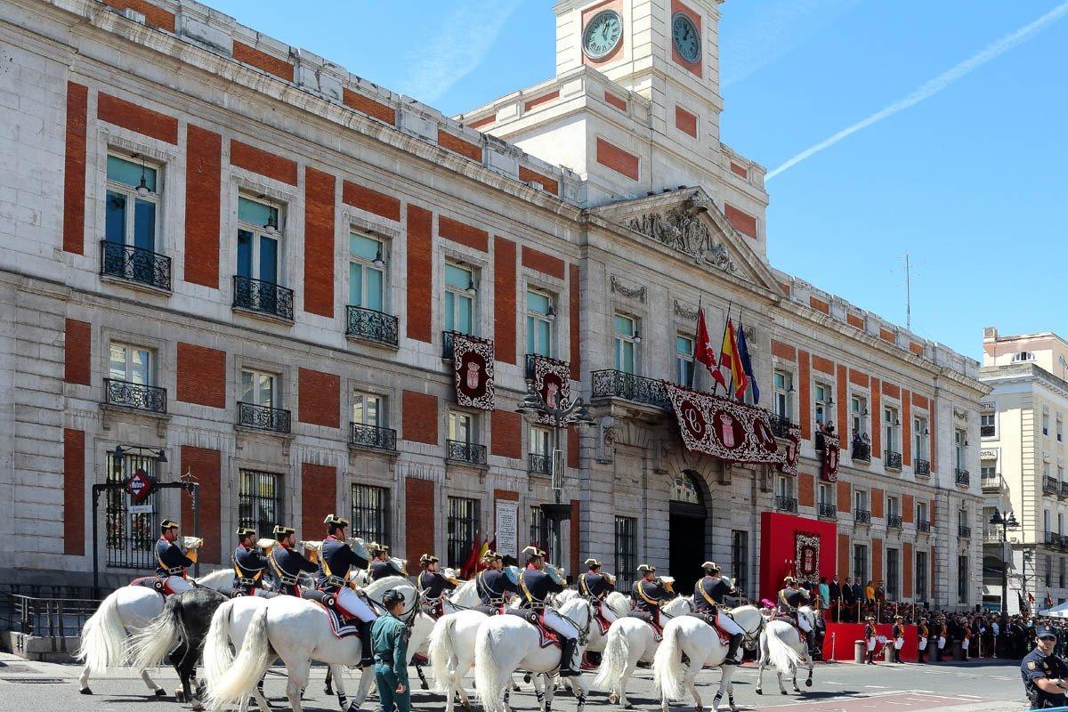 Caballos Blancos Reales Guardias Alabarderos 2 Mayo 2014