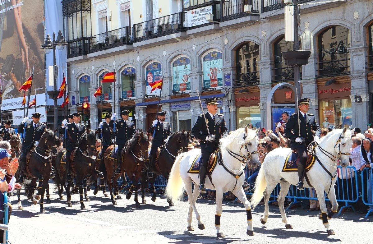 Cuerpo Superior de Policia Montada 2 de Mayo 2014