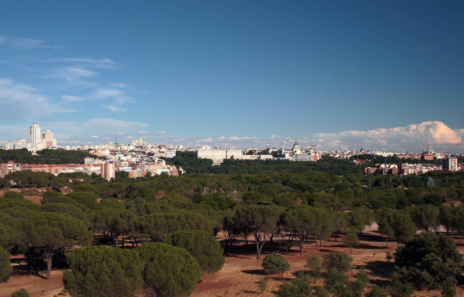 Madrid Cerro Garabitas, Casa de Campo