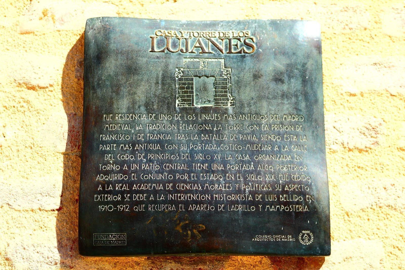 Placa de la Casa de los Lujanes