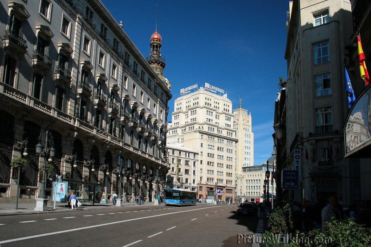 Calle Sevilla, foto tomada desde Carrera San Jerónimo