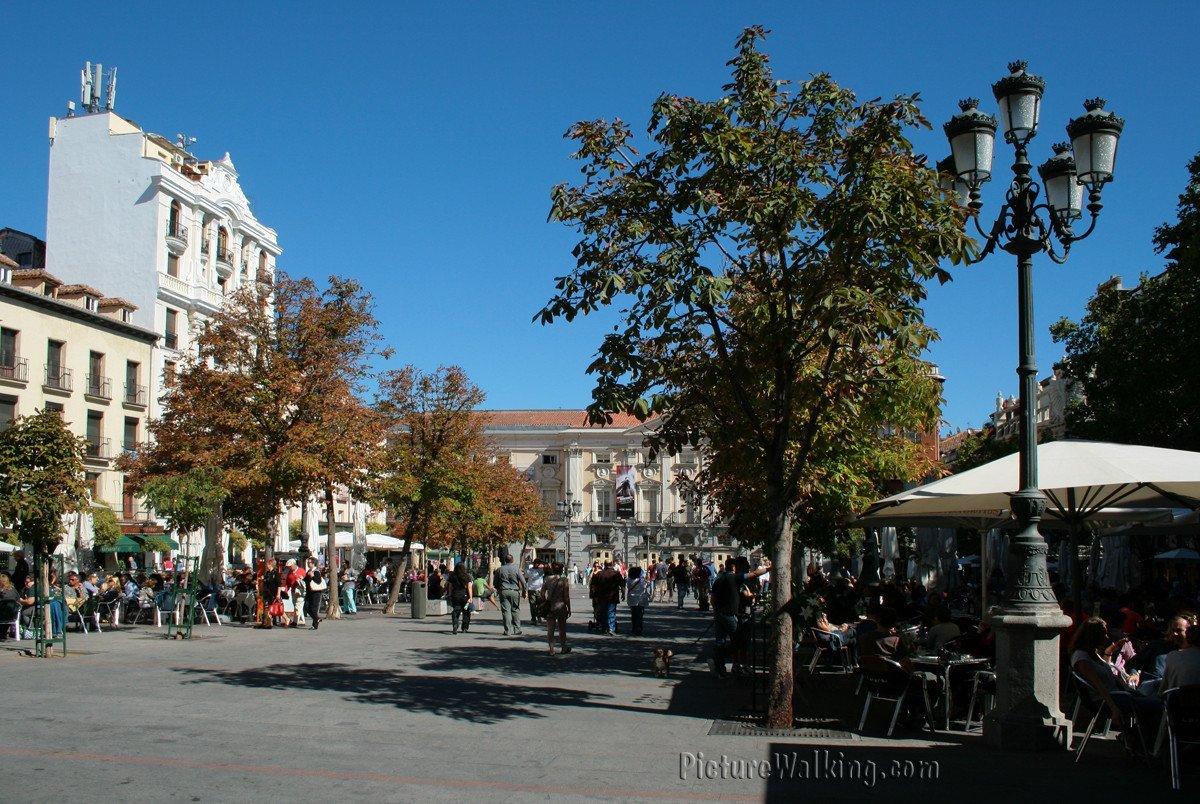 plaza-santa-ana-1200