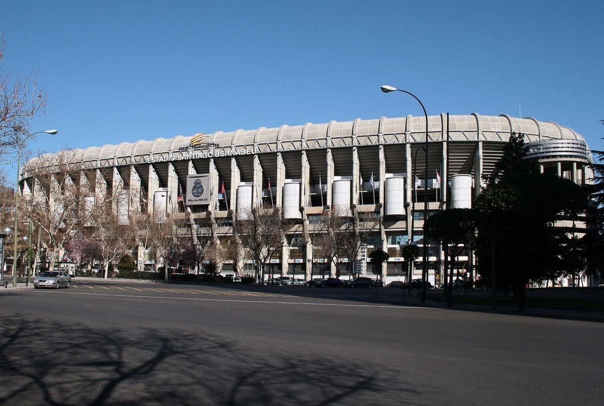 Fachada Oeste del Estadio Santiago Bernabéu