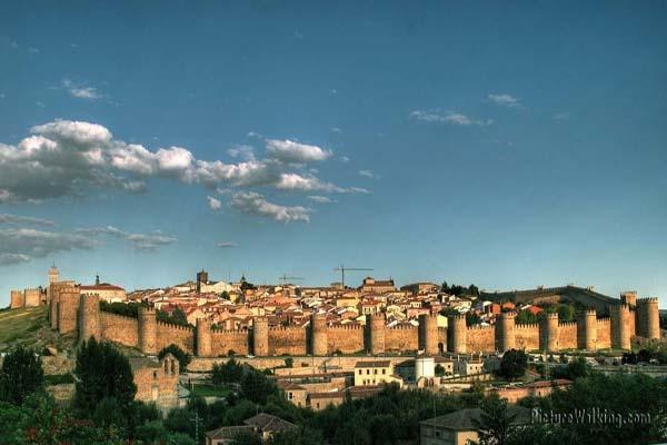 Vista a la Muralla de Ávila